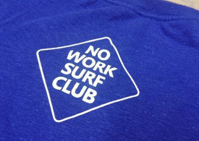 Siiditrükk-no-work-surf-club-T-särgil